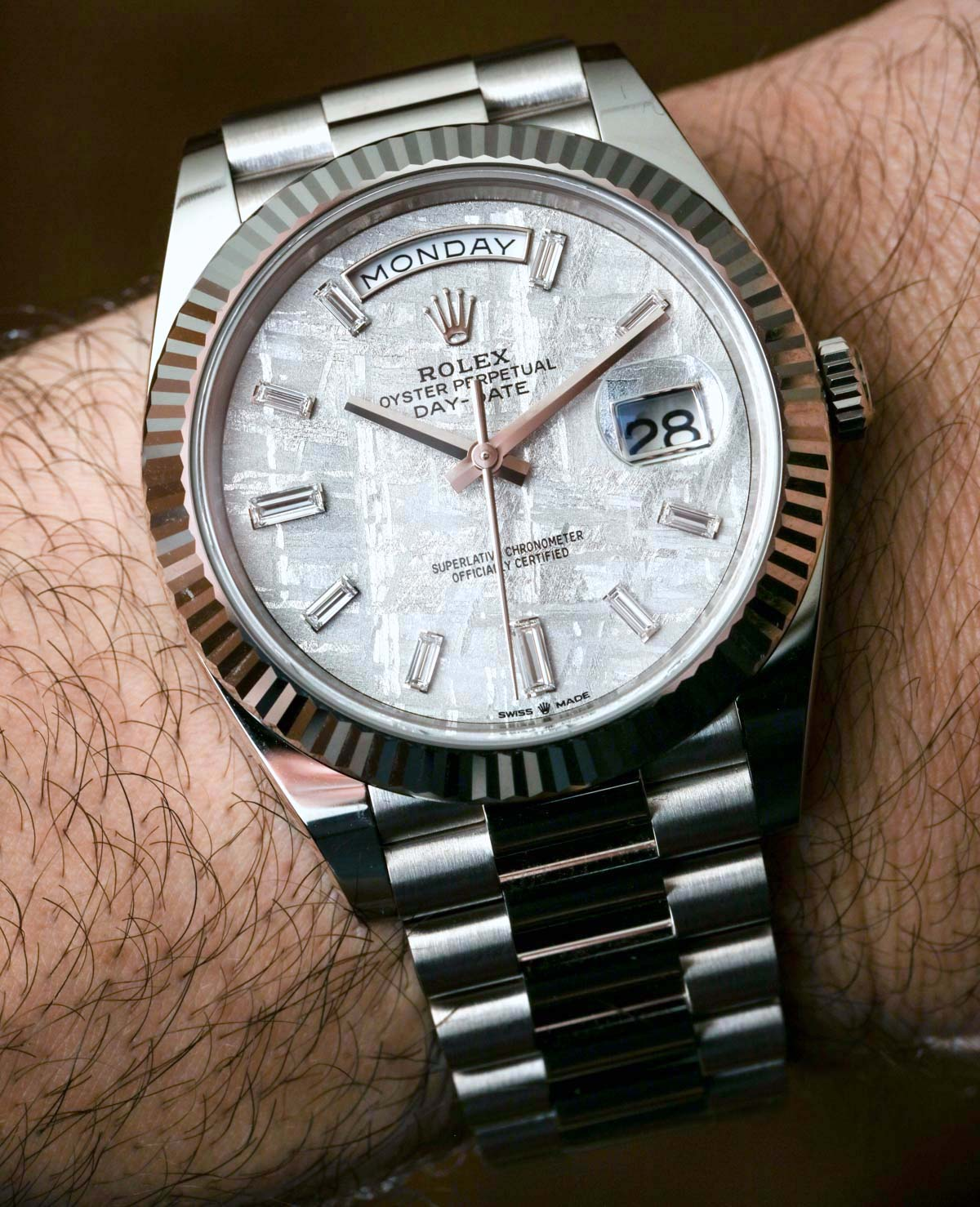 Replica Rolex Day Date 40 Quadrante Meteorite 228239 Presidente In Oro Bianco